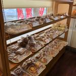 高橋菓子店 - 菓子パンなど