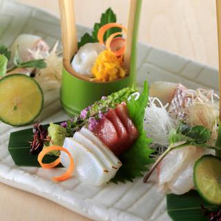 月毎に料理が変わるコースでは、移り変わる福島の旬味を味わう