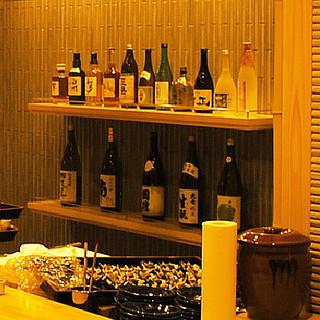 米処ならではの地酒を始め、各地の日本酒を豊富に取り揃え