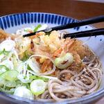 どん亭 - 天ぷらそばのかき揚げ