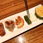 重慶飯店 - 五種前菜の盛り合わせ
