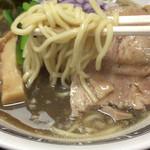 101051195 - 低加水中太麺