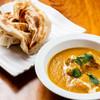 マーダル - 料理写真:バターチキンカレーとパロタ(サクサクもっちり自家製パン)
