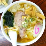 足利麺 - 料理写真:ワンタンメンひもかわ