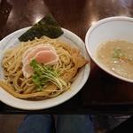 麺ゃ しき - 料理写真:美白白湯つけ麺 並盛