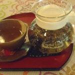 Cafe ichara - ハーブティーは3種類から選べて、これはラベンダーです。