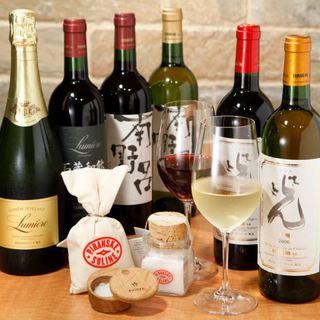 国産、フランスワインを中心に約100種類をご用意