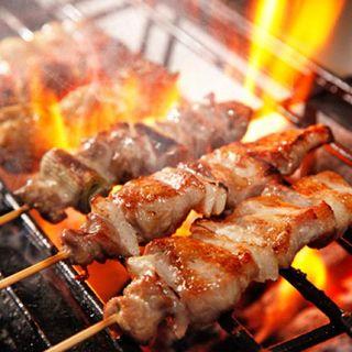 銀座で肉汁あふれる本格焼き鳥を食べたいならくふ楽で決まり!
