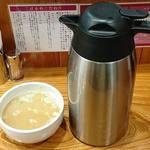 日本橋麺処こはる - 日本橋麺処 こはる @三越前 大きな保温ポットで供されるスープ割り