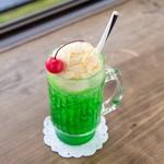 欧風カレー喫茶フランクリン - ドリンク写真:メロンソーダフロート
