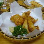 四ツ木製麺所 - フグ唐揚げ