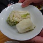 四ツ木製麺所 - 白菜漬け
