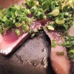 海鮮屋 鳥丈 - 薬味たっぷり カツオの叩きポン酢