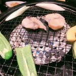新宿 ふぐ一郎 - 熟成骨つきふぐを焼きます。