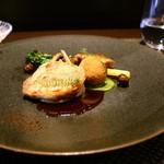 レストラン ラ・フロレゾン・ドゥ・タケウチ - 肉料理:フランスヴォージュ産うずらのデクリネゾン 季節野菜と茸のクロメスキ エスカルゴバター ジュのソース