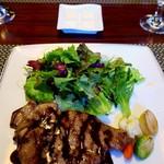 バーデンバーデン - 料理写真:なっとく豚(飛騨納豆喰豚)グリル