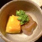 やまた旅館 - ブロッコリーと南瓜とこんにゃくの煮物。