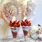 101082951 - 【季節限定】いちごたっぷり苺づくしのパフェ