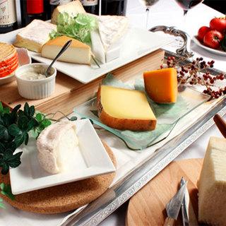 世界・日本の定番や珍しいチーズまで15種以上をラインナップ!