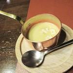 ビーフクラブ ノエル - コーンの香りを満喫出来るスープ、でした。