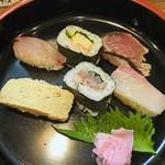 101089670 - A定食の寿司