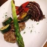 くえろ・くえら - 焼き野菜と自家製ソーセージ