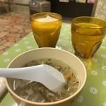 ザイカ・カレーハウス - トロミのある野菜スープ 不思議な味