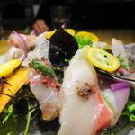 101097197 - カルパッチョサラダ仕立て(ワラサ・太刀魚・真鯵)