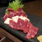 九州料理と旨い酒 どんたく - 馬刺し