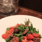 ピッツェリア ファッブリカ 1090 - 鶏レバーとトマト ローズマリー風味