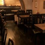 カフェ・デ・プリマベーラ - 店内。入口から奥