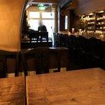 カフェ・デ・プリマベーラ - 店内。奥から入口方向
