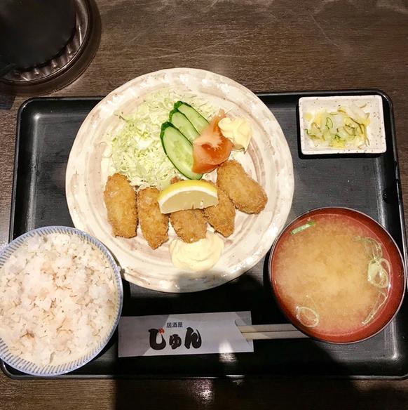 居酒屋じゅん - カキフライ定食。 税込690円。 美味し。