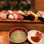 大和鮨 - 味噌汁がつきます
