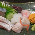 味あら井 - 2019.1 刺し盛り(シマアジ、カンパチ、ヒラメ、アオリイカ、ハモ、北海道ウニ)