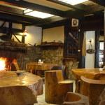 お食事処 庄屋 - 暖炉のあるレストラン