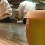 ステーキキッチン ボストンコモン - ドリンク写真:ドラフトマスターが注いだ生ビール