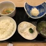 101123954 - 煮物・ご飯・いかシュウマイ・お味噌汁・香の物など。