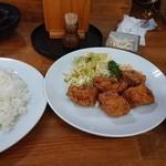 東洋軒 - 唐揚げ定食(ご飯大盛り)