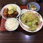 ちゃんぽん長崎屋 - 料理写真:唐揚げ定食  ¥650  マジやばい コスパです