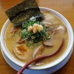 赤ふくちぁん - 料理写真:赤ふくちぁんらーめん(780円)