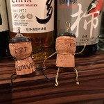 ワイン食堂 イタダキヤ - コルク人形
