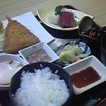 魚季亭 - これは特別メニュー「小松定食」。一般の方の注文はできません。