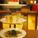 ホシヤマ珈琲店 - 3段スタンド
