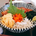 松風 - 料理写真:ミニ海鮮丼