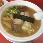 Shunyouken - ラーメン¥500。意外とスープはあっさり!