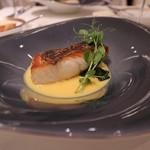ル・シュバリエ - ●魚:天然ヒラメ、サフランソース