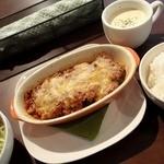 イツモノトコロ - 日替わりランチ ¥750 (なすのミートグラタン、生姜のクリームスープ)