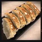 中華食堂一番館 - 焼き餃子 200円
