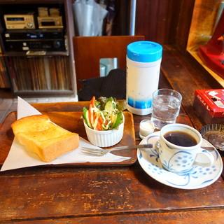 雑伽屋 - モーニングAセット630円